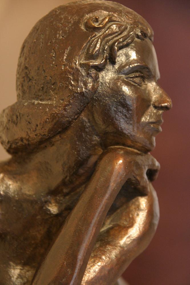 Eve détail profil bronze
